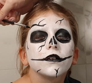 Étape 5: Ajoutez des détails sur le visage