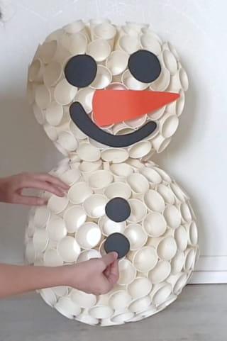 Étape 6: Le montage du bonhomme de neige
