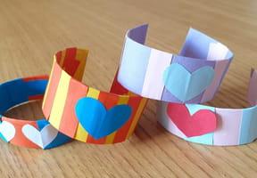 Bracelet fête des Mères en carton et papier [VIDEO]