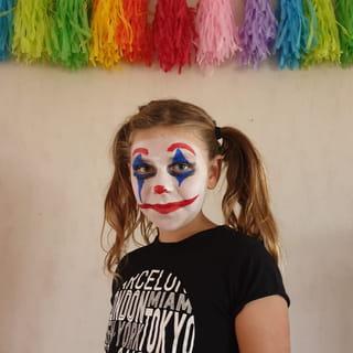 Le tutoriel maquillage du clown est terminé