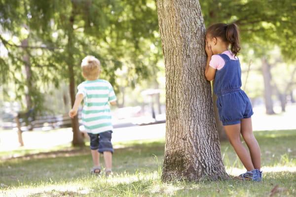 cache-cache-jeux-avec-les-enfants