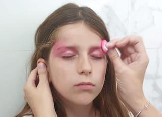 Étape 1: maquillage des yeux