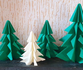 Sapin de Noël en origami, pliage papier [VIDEO]