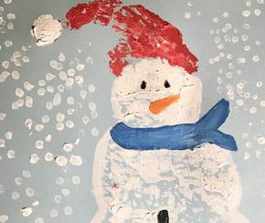 Bonhomme de neige en peinture: avec du papier bulle