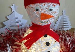 Décoration bonhomme de neige avec des fils [VIDEO]