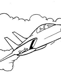 Avion de chasse dans les nuages