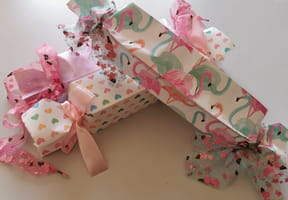 Paquet cadeau en forme de bonbon